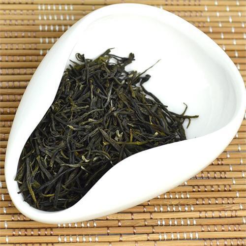 南京雨花茶色、香、味、形俱佳