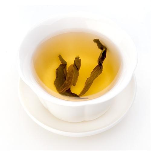 乌龙茶凤凰水仙品鉴有形美、色翠、香郁,味甘之誉