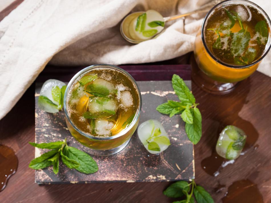 教你如何通过喝荷叶茶健康减肥