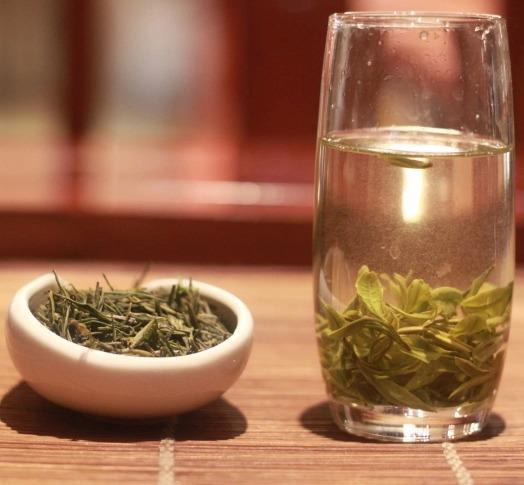 敬亭绿雪茶品质茶汤清色碧,回味爽口香郁甘甜