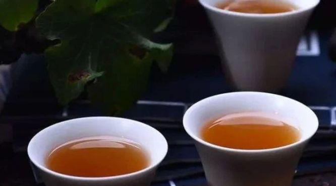 """""""茶颜观色""""才能选好茶"""