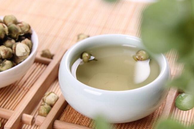 为大家介绍一下雪莲花茶的食疗方法