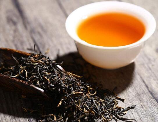 炎炎夏日 教您冰红茶怎么做