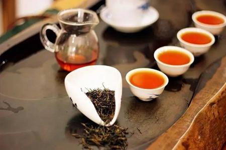 信阳红的功效与作用 冬天喝杯信阳红茶好处多多