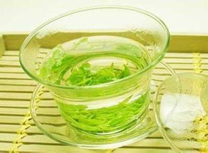 夏天喝绿茶的好处