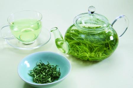 """龙井茶为何会被封为""""御茶"""""""