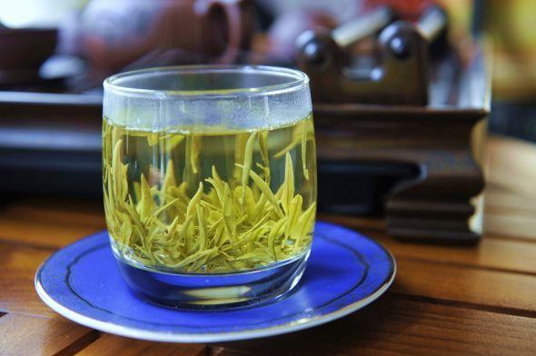 白茶一般多少钱一斤?