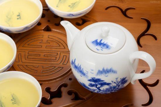 饮用绿茶的禁忌之避免空腹