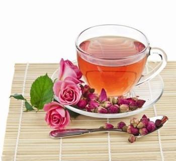 喝玫瑰花茶
