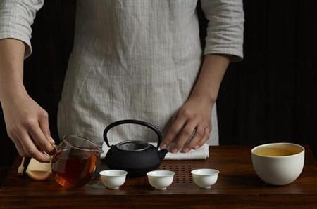 滇红茶功效多 应该多饮用