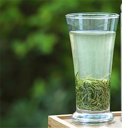 泡竹叶青茶