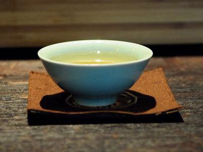 瓷杯泡高端都匀毛尖茶 畅享快意人生