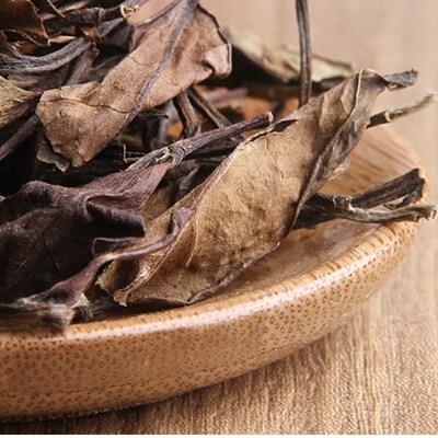 寿眉茶饼正确取茶的方法