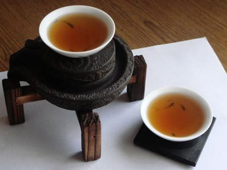 老年人适合长期饮用黑茶的原因