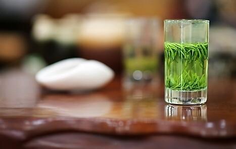 绿茶具有去腻防止脂肪积滞体内的作用