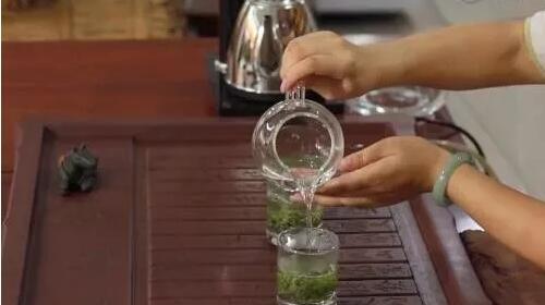 信阳毛尖茶汤为什么是浑浊的