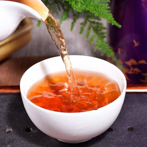 """普洱茶""""香、甜、醇、厚、滑""""口感特点"""