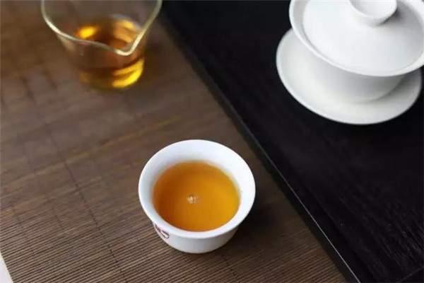 如何判断红茶好坏:四个方法教你快速辨别红茶品质!