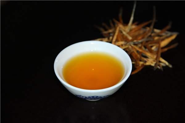 掌握这4点,就会分辨正宗古树红茶!