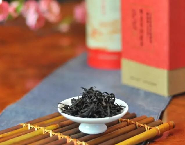 如何鉴别野生古树红茶和普通滇红茶的区别?