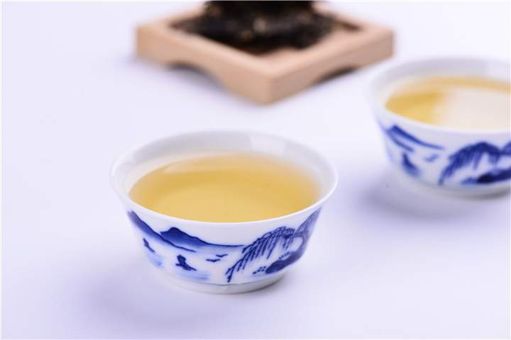 喝普洱茶时为什么会有麻味?