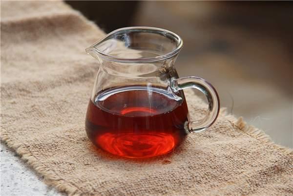 普洱茶怎么喝最减肥?减肥喝普洱生茶好还是熟茶好呢?