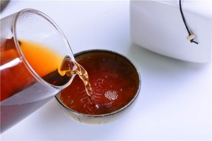 普洱茶汤色品评