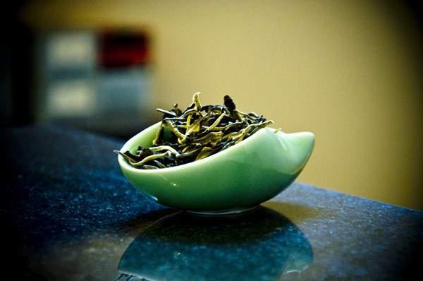 为什么酸性体质的人要喝普洱茶?