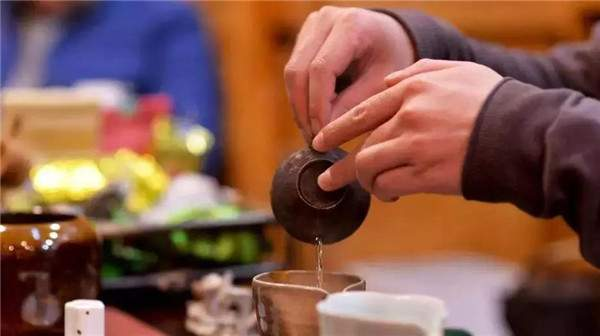 普洱老茶是怎样炼成的?