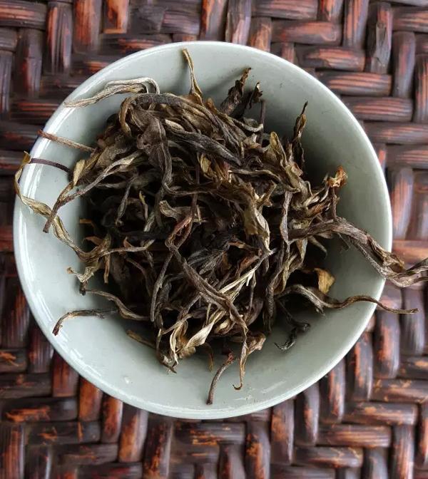 布朗山古茶山:老班章,云端上的普洱茶王