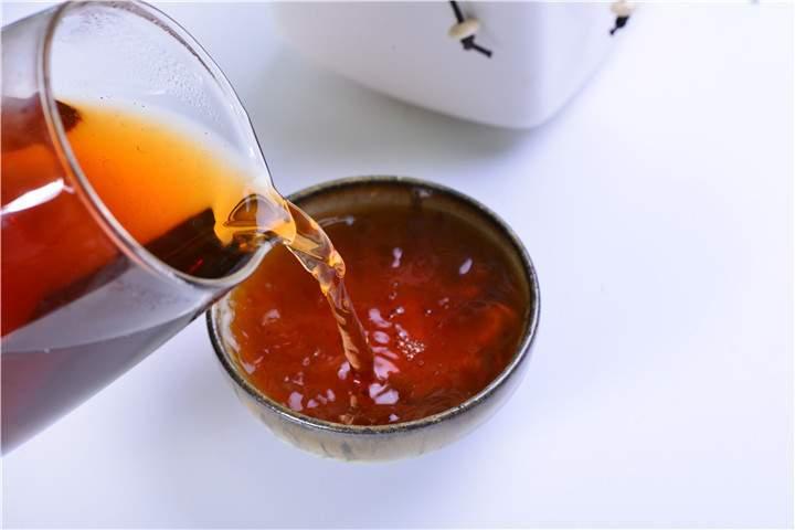 普洱茶冲泡时的水线是什么?