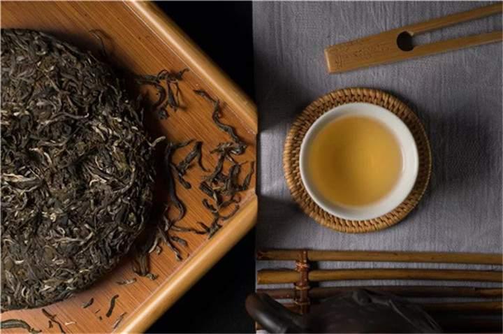 怎么区分紫砂壶是吐黑还是茶垢?