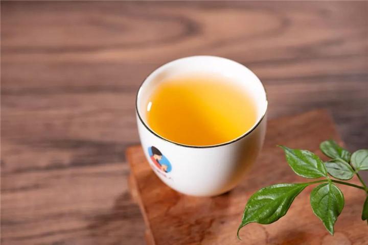 """当大部分人都不喝""""天价茶""""了,市场自己会调节回头的"""
