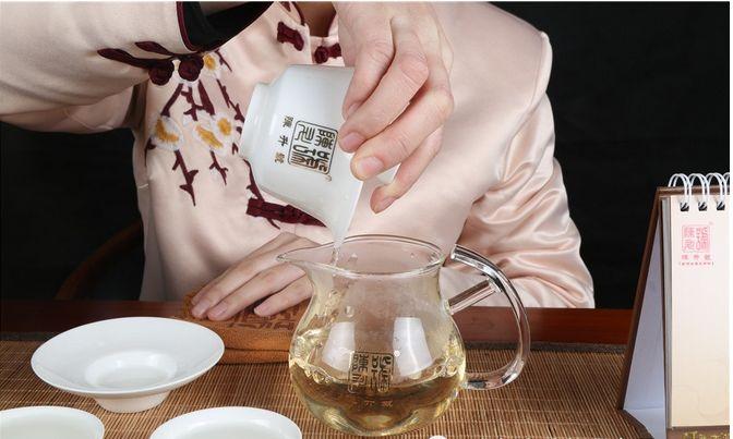 碧螺春泡的第一杯能喝吗?要不要洗茶
