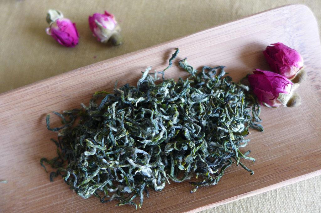 观碧螺春非物质文化遗产传承人炒茶