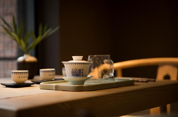 如何用盖碗冲泡普洱茶