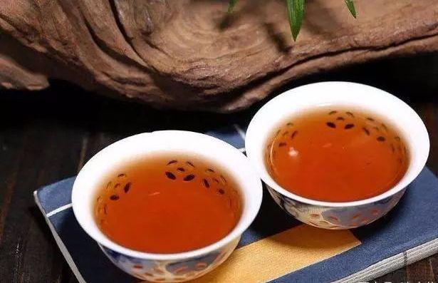 普洱茶如何老茶头、茶化石和碎银子
