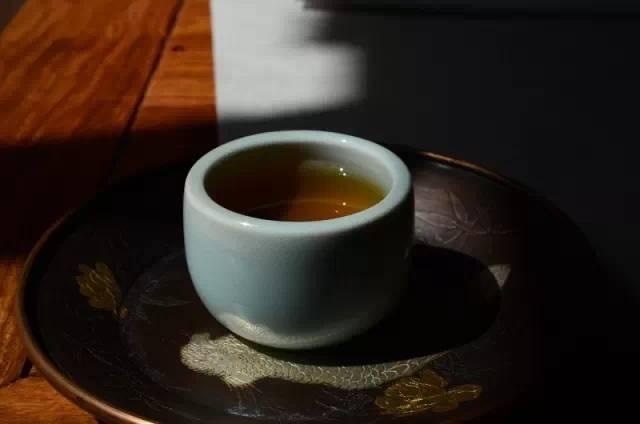 如何品评普洱茶之茶汤的颜色