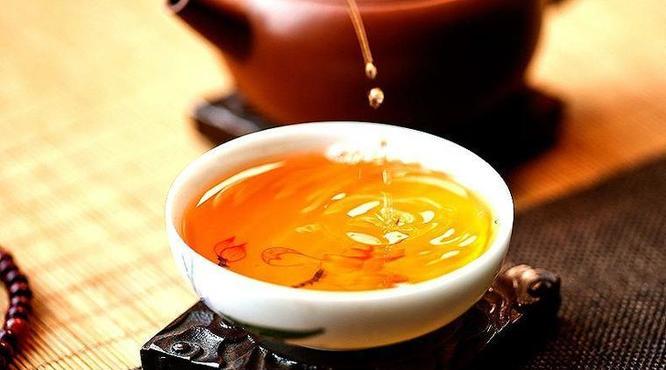 普洱藏茶误区:紫砂罐VS纸箱存茶,究竟哪个更好?