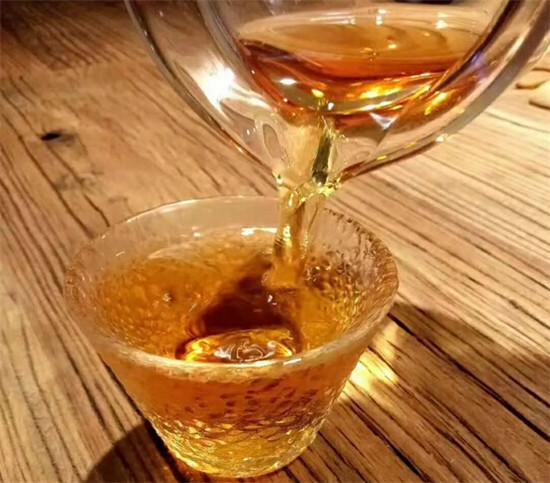 如何冲泡一杯好喝的古树红茶