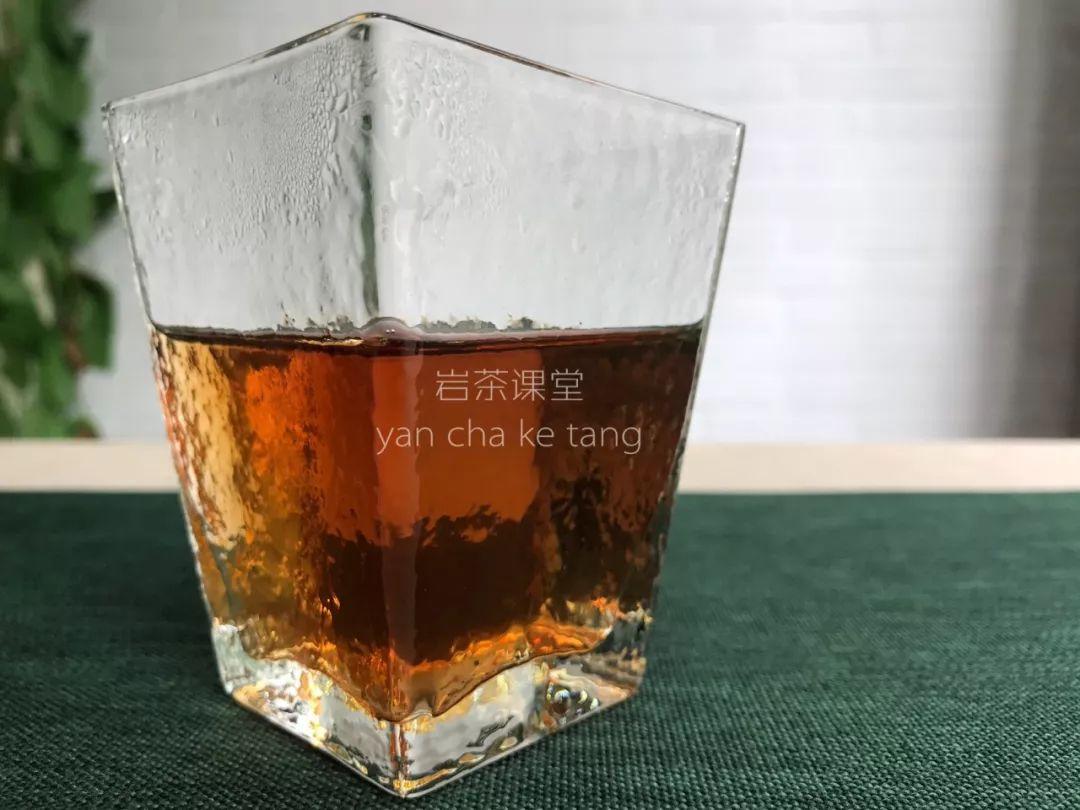 关于茶的文化:好评率99%的岩茶,为什么我喝完没有回甘?