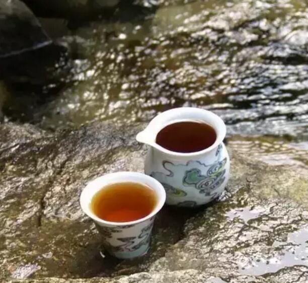 武夷岩茶的焙火工艺焙火高低由市场决定
