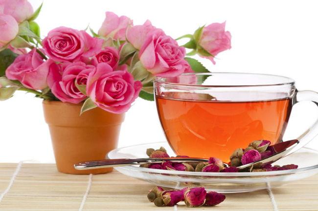 心情抑郁时就喝杯玫瑰花茶来放松一下