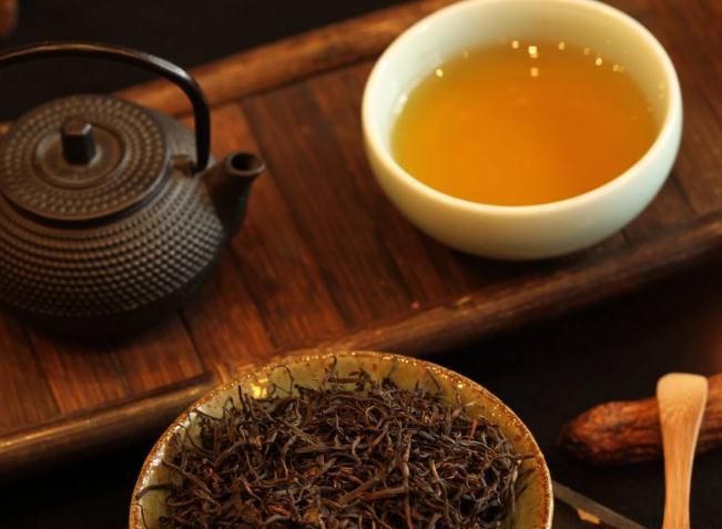 普洱茶及其独特的冲泡技巧和品饮艺术