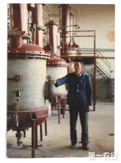 为解开普洱茶膏的秘密杨有田埋头钻研了30年