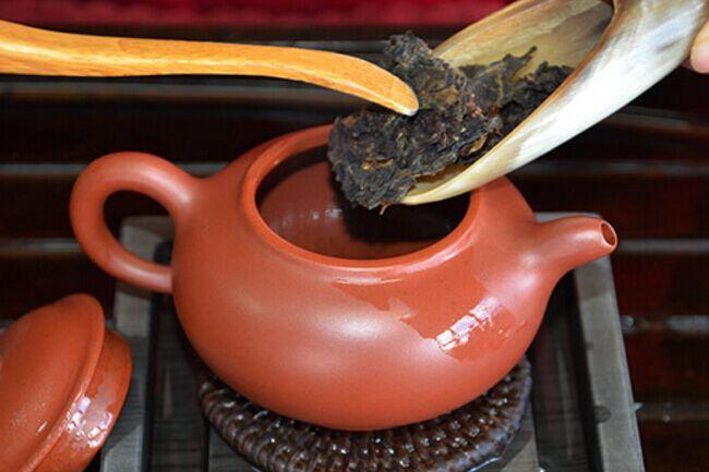一起来学茶知识之关于普洱茶的干醒方法
