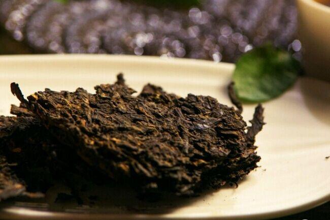 一起来学茶知识之怎样鉴别劣质的普洱茶