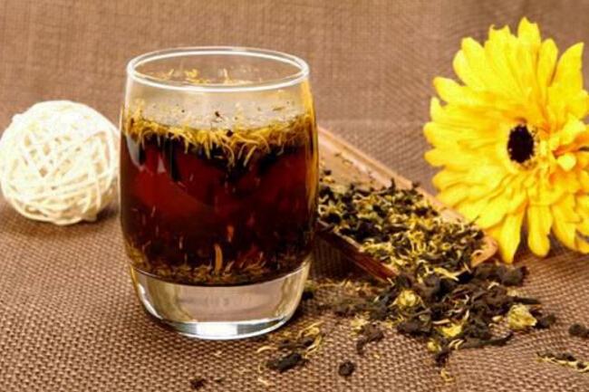 关于饮用各种不同类型搭配普洱茶的功效