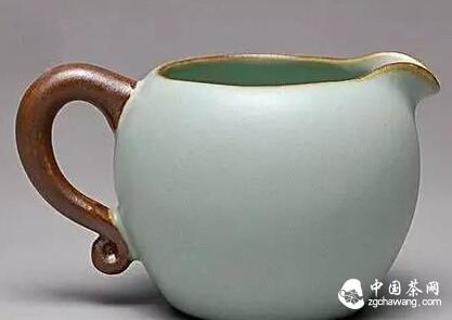 泡普洱茶最少需要几个茶具就行了?