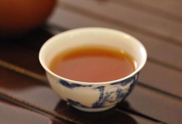 品鉴老茶要接地气:四招教你喝懂普洱老茶